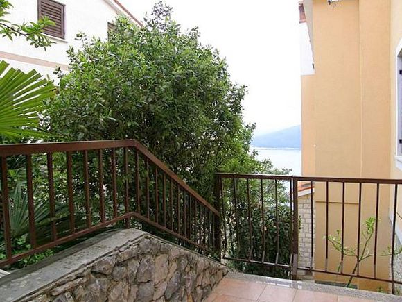 Appartment Br.1 in Rabac 7