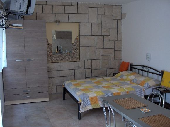 Appartment Studio br.6 in Bol 1