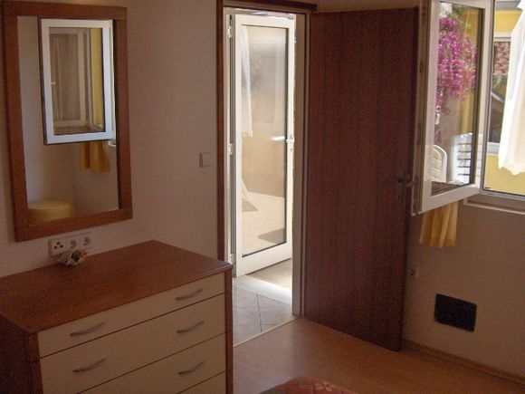 Appartment App br 3 in Vrboska 6