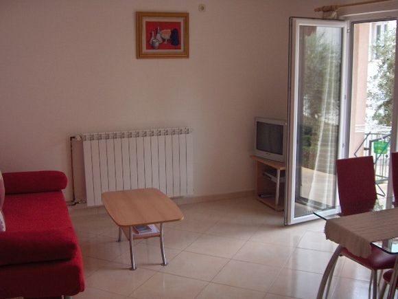 Appartment App br. 2 in Bol 3