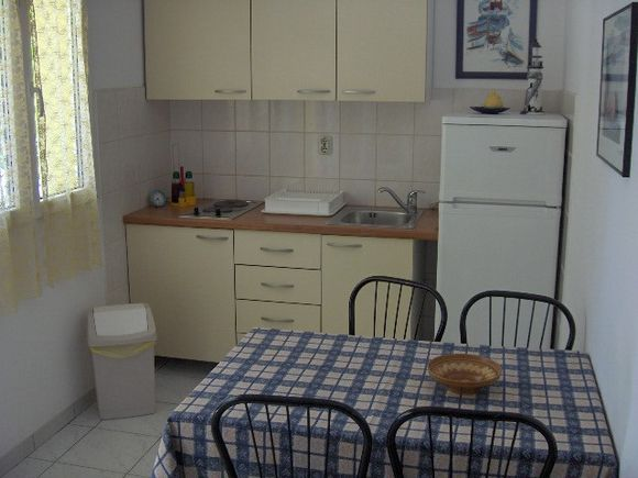 Appartment A2 in Vrboska 1