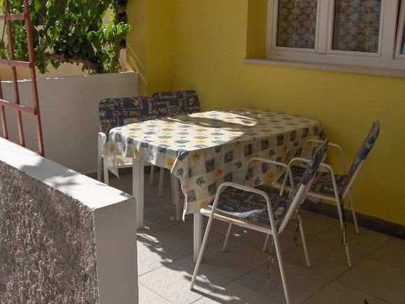 Appartment A2 in Vrboska 10