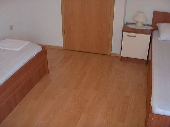 Appartment B1 in Pag 7