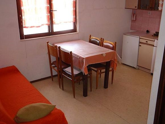 Appartment A 1 in Pakostane 2