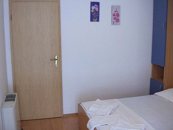 Appartment App br. 1 in Bratus 7