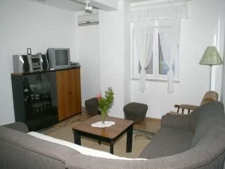 Appartment B1 in Postira 2