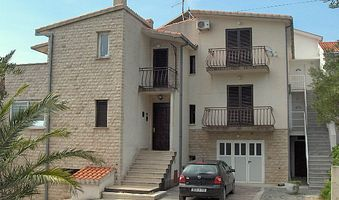 Apartment Mali-vrh in Makarska