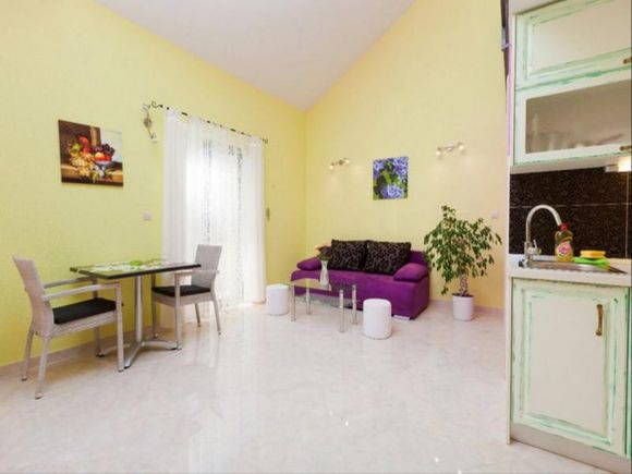 Appartment App 5 in Podgora 3