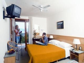 Appartment Hotel Bonaca - All inclusive in Bol 3