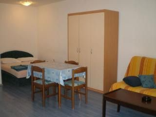 Appartment App. br. 3 in Pula 1