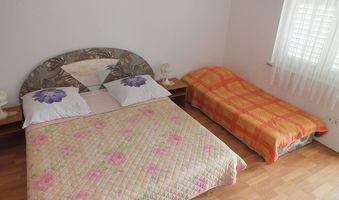 Apartment for 5 persons in Duce